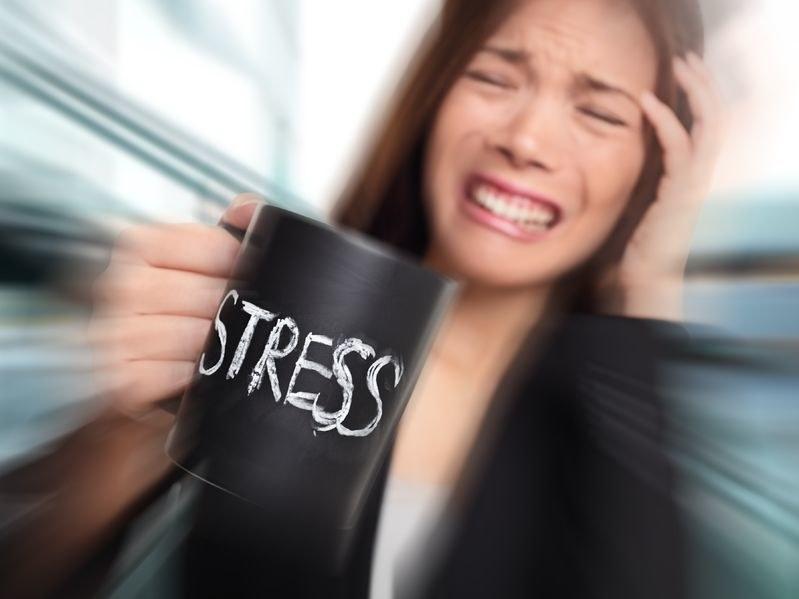 Kofeina a stres /©123RF/PICSEL