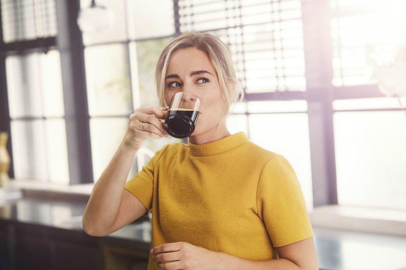 Kofeina obecna w kawie poprawia pracę serca, zmniejsza dolegliwości spowodowane zbyt intensywnym treningiem oraz zwiększa wytrzymałość fizyczną sportowców /materiały promocyjne
