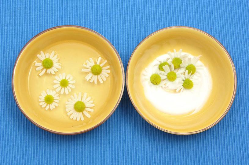 Kojące mleczka do twarzy możesz przygotować sama w domu /123RF/PICSEL
