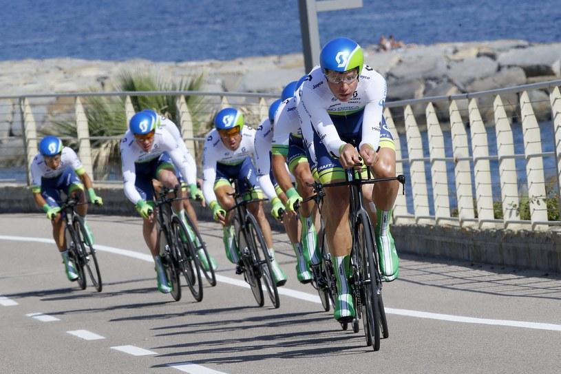 Kolarze grupy Orica GreenEdge na trasie Giro /AFP