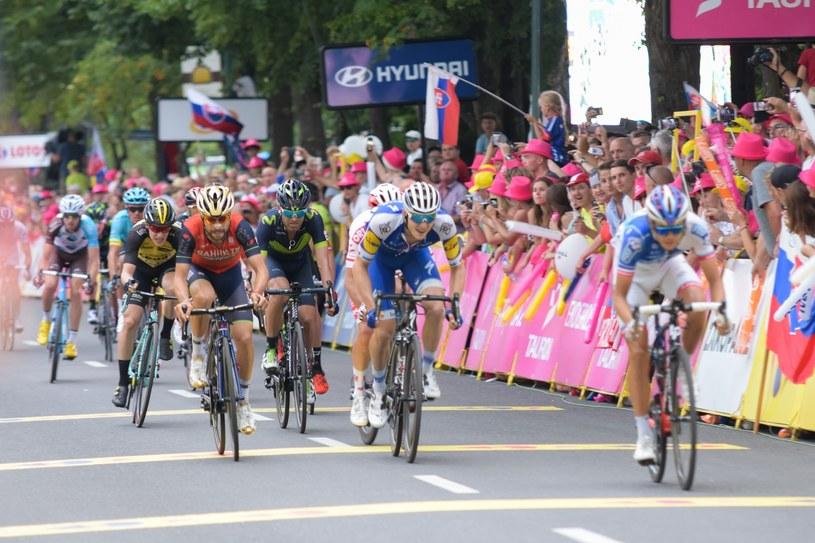 Kolarze i kibice na trasie Tour de Pologne /Piotr Korczak /Reporter