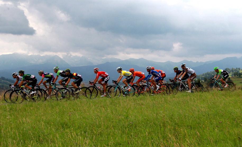Kolarze na trasie 6. etapu wyścigu Tour de Pologne /Grzegorz Momot /PAP