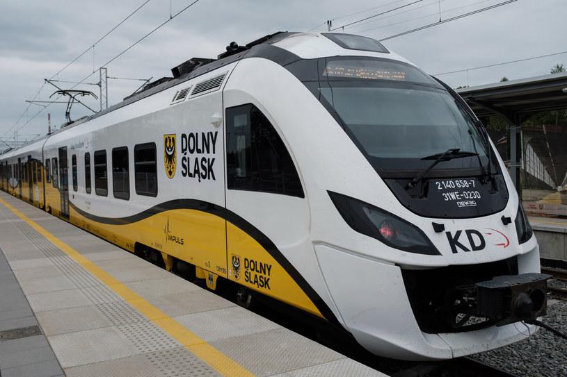 Koleje Dolnośląskie od poniedziałku zawieszają połączenia do Czech /Piotr Dziurman /Reporter