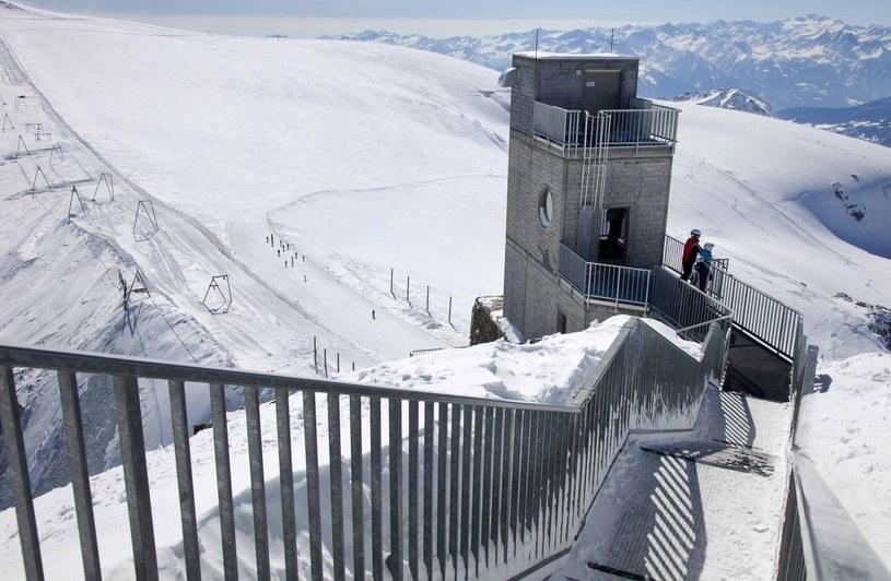 Kolejka gondolowa w ośrodku narciarskim Breuil-Cervinia /Rex Features /East News