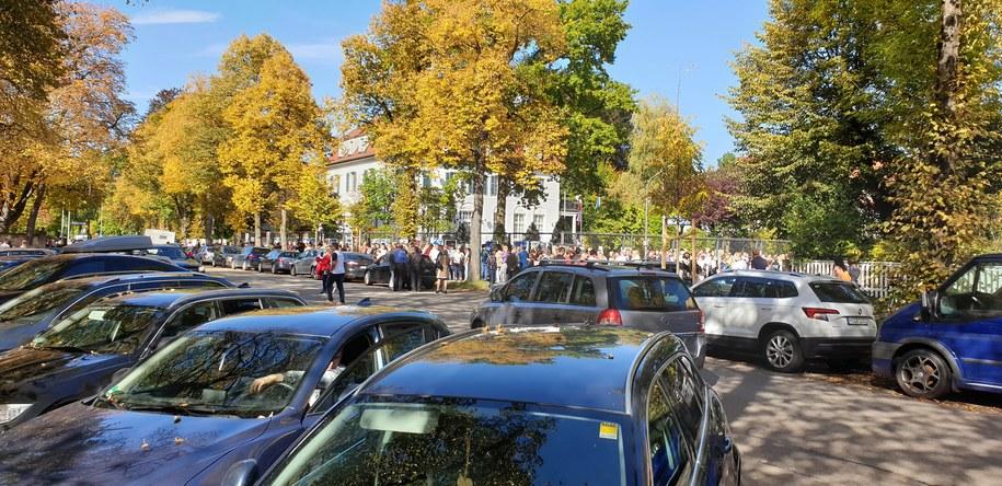 Kolejka przed konsulatem w Monachium /Gorąca Linia RMF FM