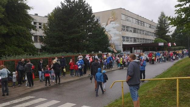 Kolejka przed przedszkolem w Łodzi /Gorąca Linia /Gorąca Linia RMF FM