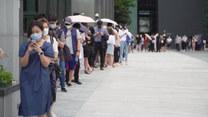 Kolejki do testów i nowe obostrzenia. Korea Południowa z nagłym wzrostem zachorowań na koronawirusa
