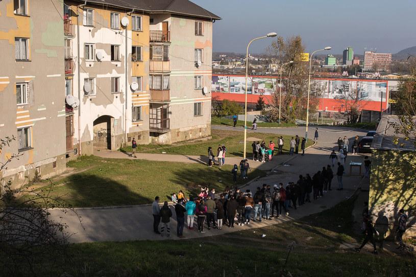 Kolejki do testów na COVID-19 na Słowacji /Zuzana Gogova  /Getty Images
