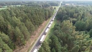 Kolejki tirów na granicy z Białorusią