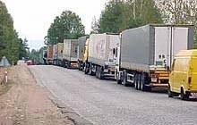 Kolejki TIRów ustawiają się na granicy polsko-białoruskiej /RMF FM