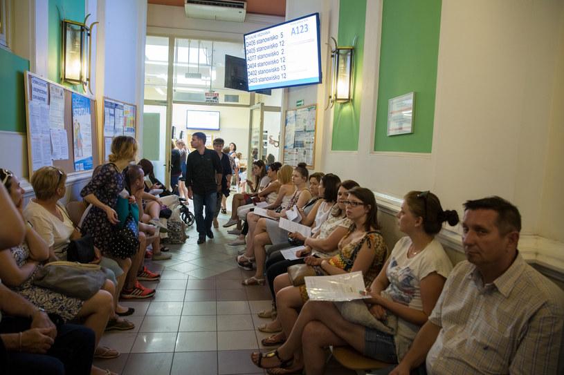 Kolejki w krakowskim oddziale NFZ /ANNA KACZMARZ / DDZIENNIK POLSKI / POLSKA PRESS /East News