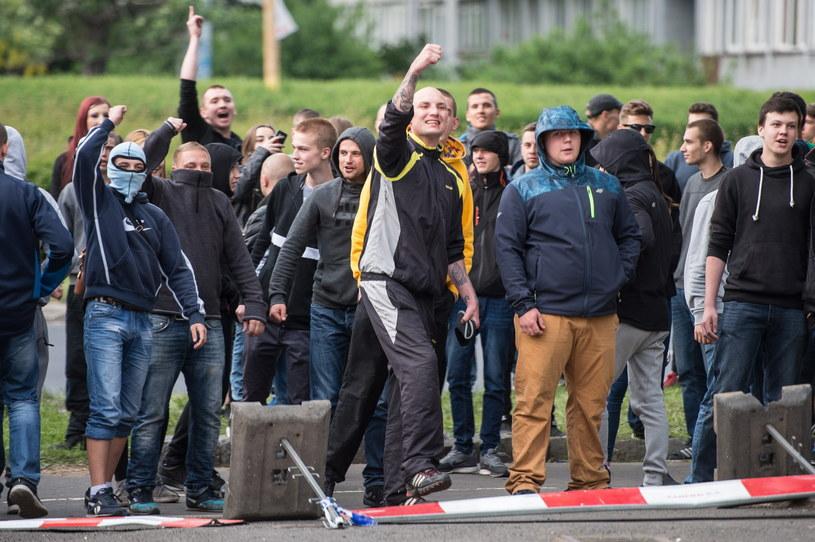 Kolejna demonstracja i zamieszki przed komisariatem policji Wrocław Stare Miasto /Maciej Kulczyński /PAP