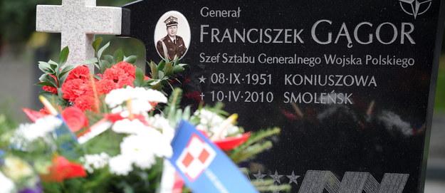 Kolejna ekshumacja ofiary katastrofy smoleńskiej. Chodzi o grób gen. Gągora