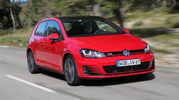 Kolejna generacja powstała na modułowej platformie MQB i, mimo większych wymiarów karoserii, jest o 42 kg lżejsza od poprzedniej (masa własna od 1276 do 1317 kg). /Volkswagen