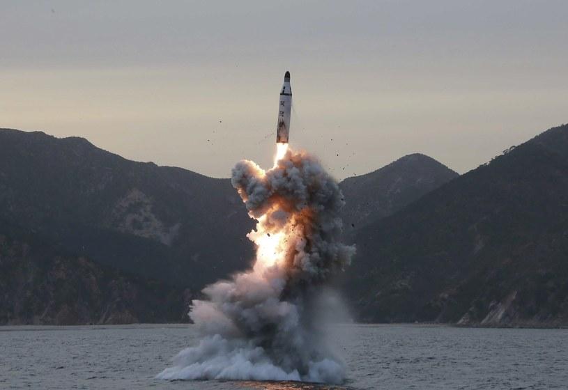 Kolejna próba rakietowa Korei Północnej /KCNA /PAP/EPA