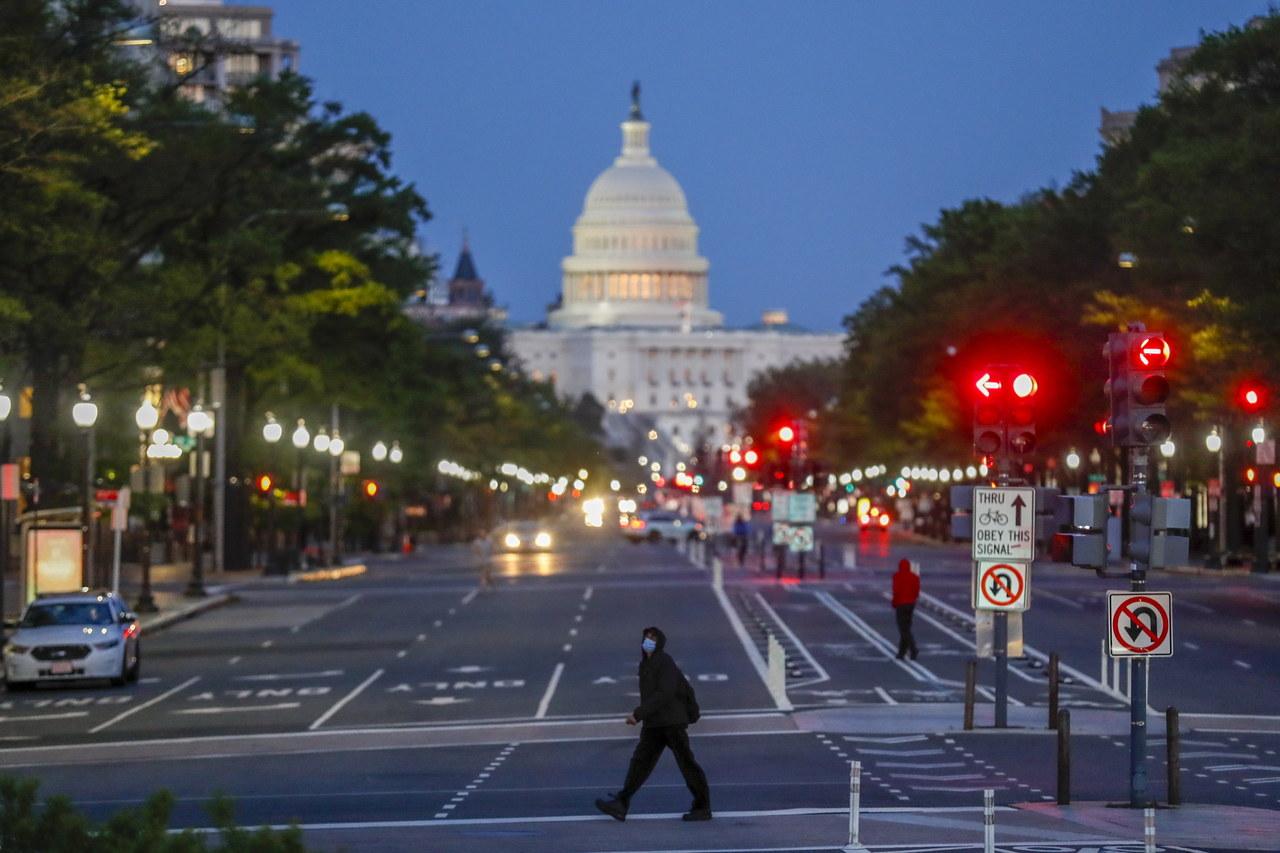 Kolejna tragiczna doba w USA. Reuters szacuje już ponad 30 tys. zgonów