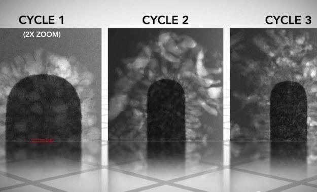 Kolejne cykle uszkadzają elementy baterii /materiały prasowe