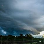 Kolejne deszcze nad Polską. Wydano ostrzeżenia dla 8 województw