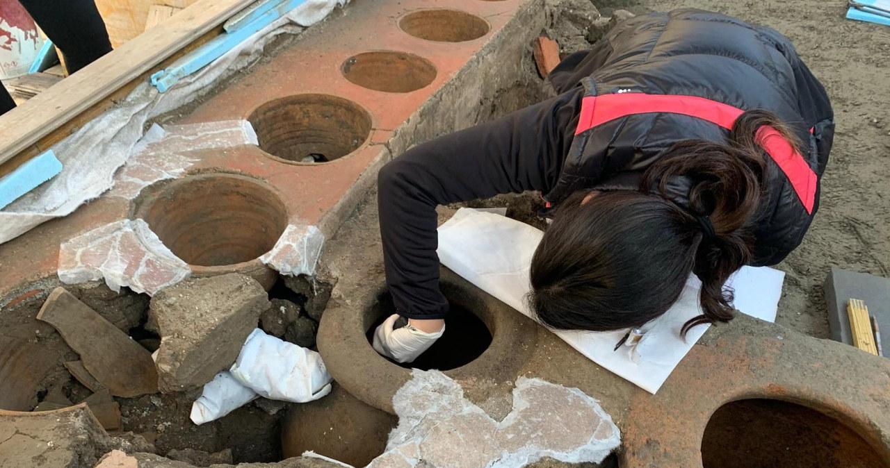 Kolejne odkrycie w Pompejach: Stragan z ulicznym jedzeniem