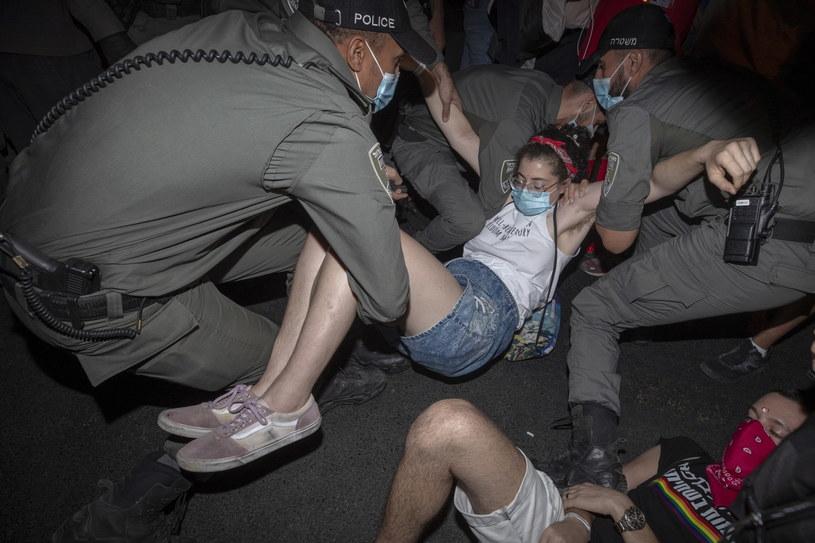 Kolejne protesty przed rezydencją Benjamina Netanjahu w Jerozolimie /ATEF SAFADI  /PAP/EPA