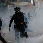 Kolejne walki na ulicach Hongkongu. Policja użyła gazu łzawiącego