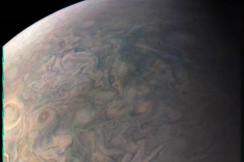 Kolejne zdjęcie Jowisza wykonane przez sondę Juno /NASA