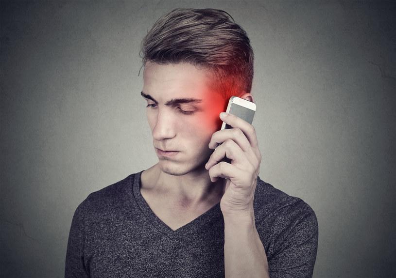 Kolejni naukowcy zgadzają się z tezą, że smartfony mają bezpośredni (zły) wpływ na nasze zdrowie i społeczne interakcje /123RF/PICSEL