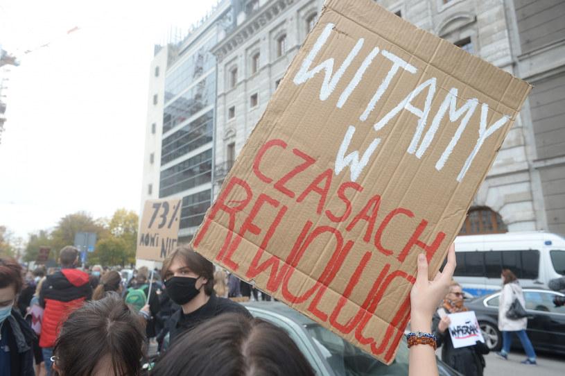 Kolejny dzień protestu po ogłoszeniu orzeczenia Trybunału Konstytucyjnego w sprawie aborcji /Jan Bielecki /East News