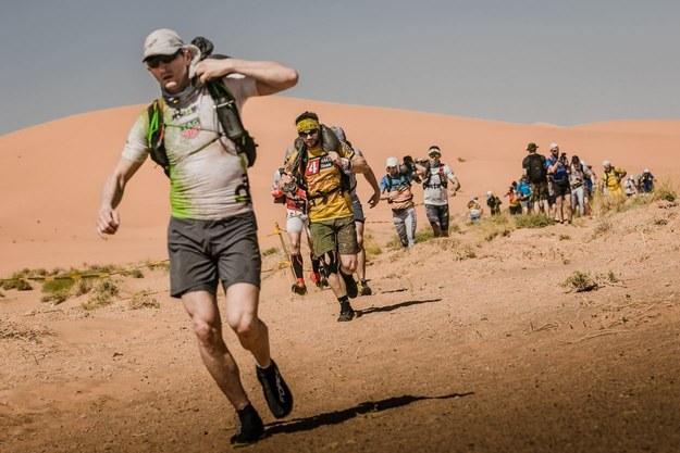Kolejny dzień zmagań w Runmageddon Sahara /Runmageddon Sahara /Facebook