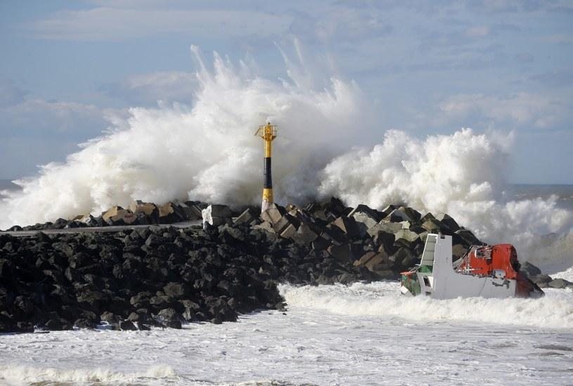 Kolejny huragan zbliża się do atlantyckich wybrzeży Francji. /GUILLAUME HORCAJUEL /PAP/EPA