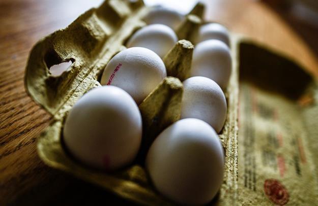 Kolejny kraj UE ma problem z jajami skażonymi środkiem owadobójczym /PAP/EPA
