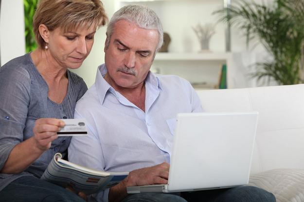 Kolejny miesiąc w bankach nie pożyczają ani gospodarstwa domowe, ani przedsiębiorstwa /©123RF/PICSEL