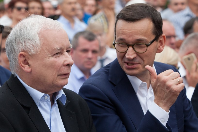 Kolejny powód do zakłopotania dla prawicowego rządu - piszą zagraniczne media; na zdjęciu Jarosław Kaczyński i Mateusz Morawiecki /Stefan Maszewski /Reporter