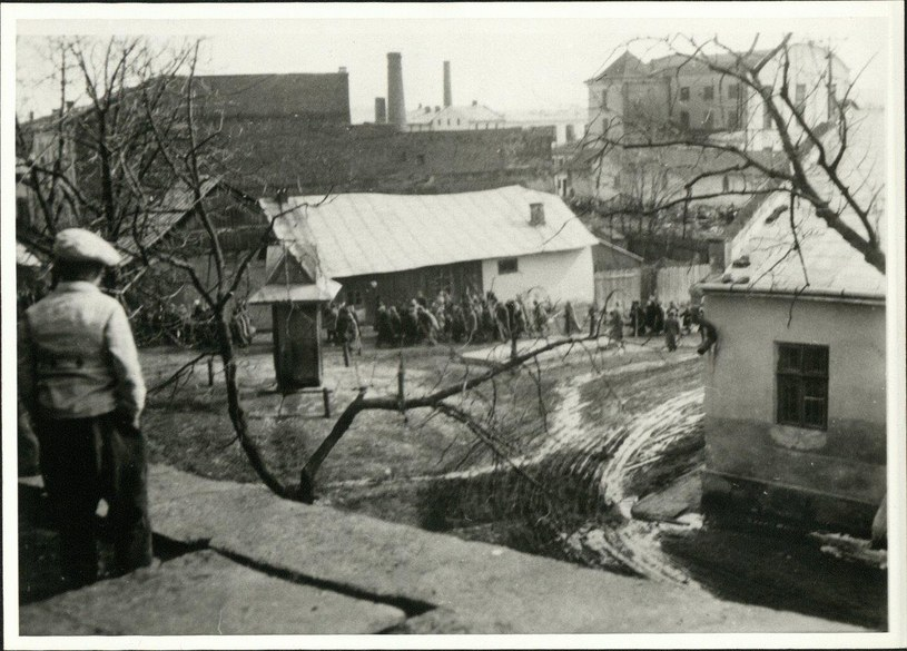 """Kołomyja: Poniedziałek Wielkanocny 6.04.1942. """"Akcja Pesach"""". Fot. © HLA HStAD H 13 Darmstadt Nr. 1287/239 /"""
