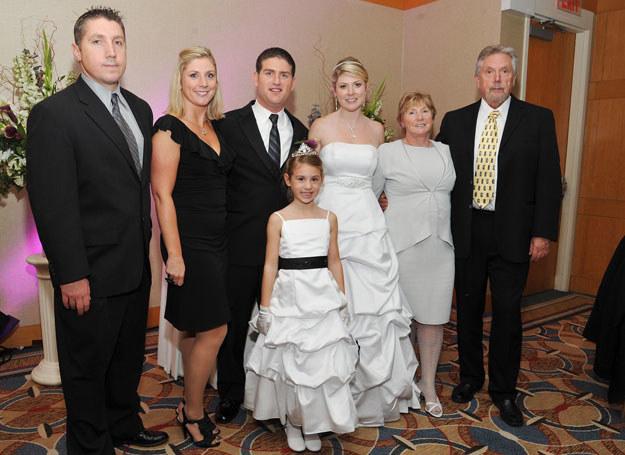 Kolor biały zarezerwowany jest dla panny młodej /Getty Images/Flash Press Media