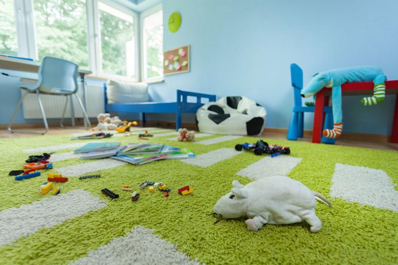 Kolor ścian w pomieszczeniu wpływa na nastrój lokatora /123RF/PICSEL