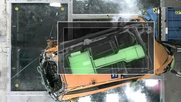 Kolorem zielonym zaznaczono kluczowe elementy układu napędowego /