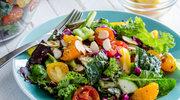 Kolorowa sałata z nasionami chia