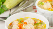 Kolorowa zupa z klopsikami