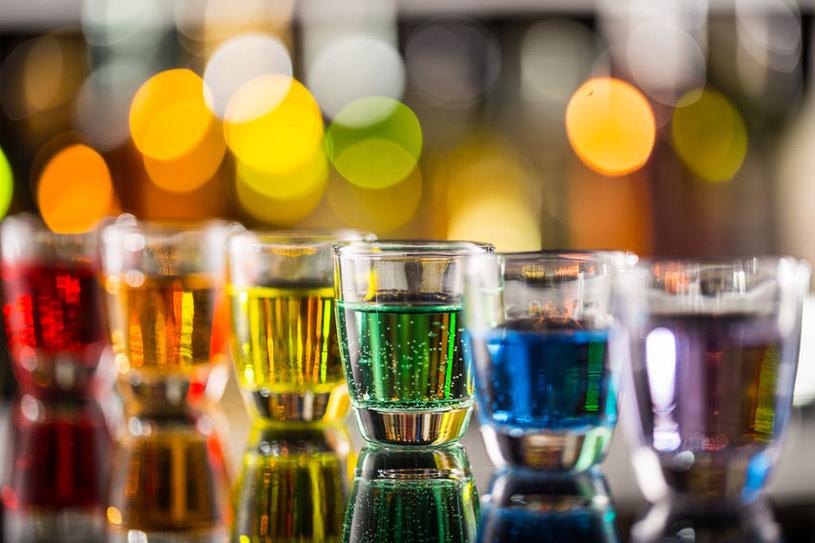 Kolorowe drinki /©123RF/PICSEL