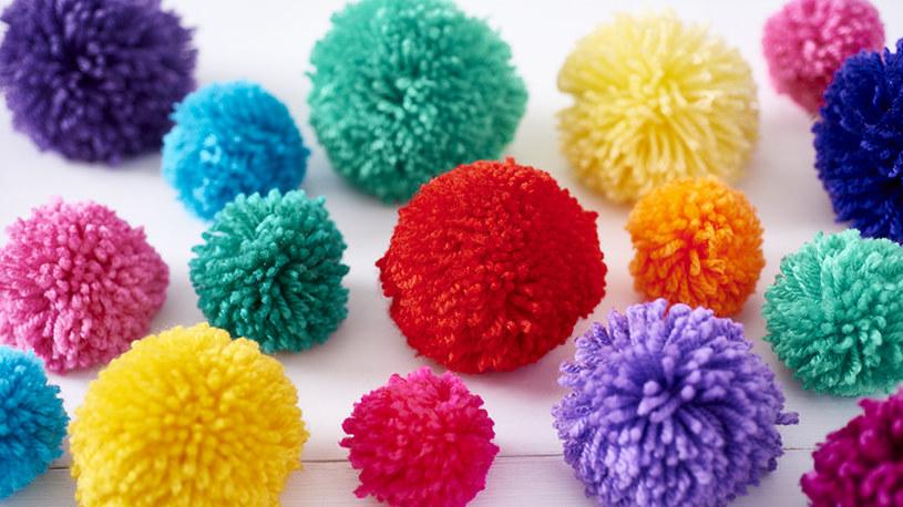 kolorowe pompony /© Photogenica