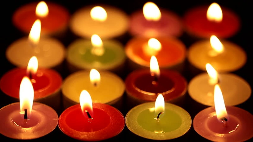 kolorowe świece /© Photogenica