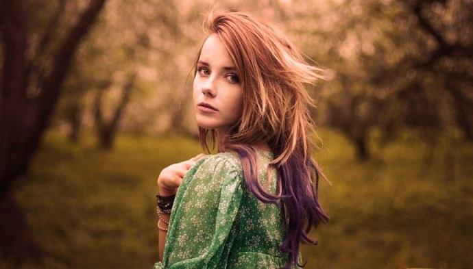 kolorowe włosy /© Photogenica