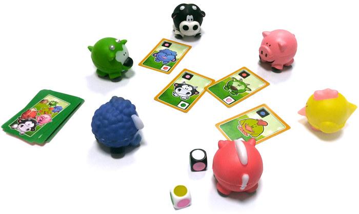 Kolorowe zwierzątka, karty i kostki zachęcają do gry /materiały prasowe