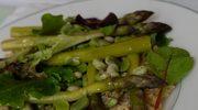 Kolory wiosny – sałatka z kaszy boulgour, szparagów i młodego bobu