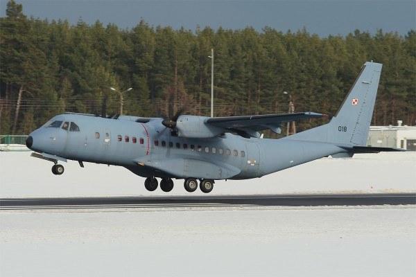 Komandosi GROM używają m.in. samolotów CASA C295M /INTERIA.PL