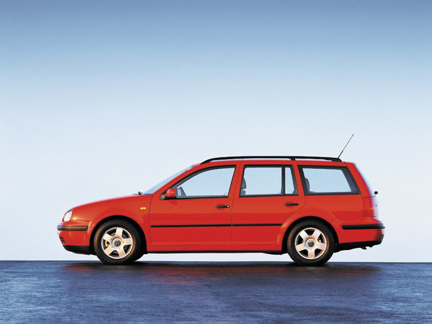 Kombi - praktyczna odmiana, ale na rynku poszukiwana przede wszystkim z silnikiem Diesla. Benzynowe kombi bez LPG występuje dosyć rzadko. /Volkswagen