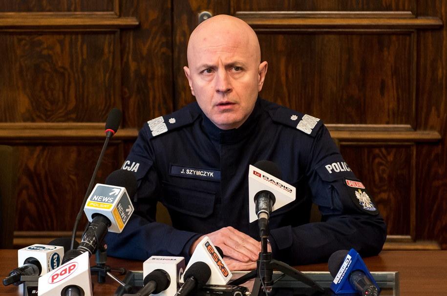 Komendant Główny Policji Jarosław Szymczyk na konferencji prasowej poświęconej akcji w Wiszni Małej /Maciej Kulczyński /PAP
