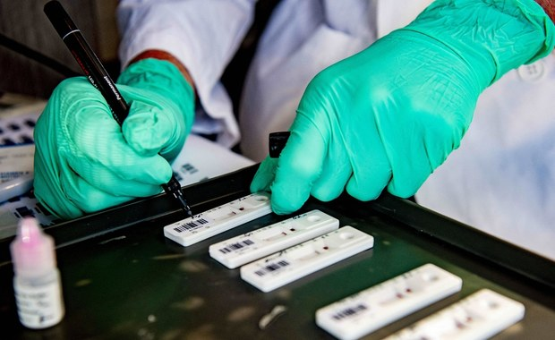 Komercyjne testy na koronawirusa. Ministerstwo nie wskazało ceny maksymalnej