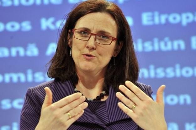 Komisarz Cecilia Malmstrom opowiada się za obowiązkiem blokowania stron z pornografią dziecięcą /AFP